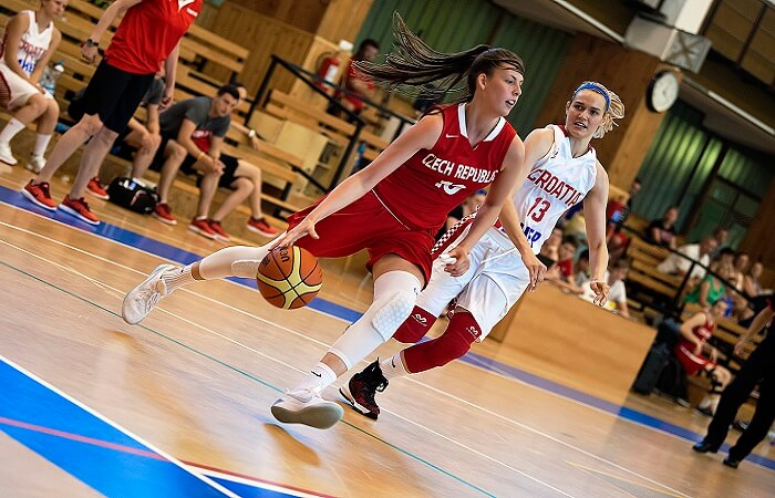 Consideration Before Choose a Women's Basketball Shoes
